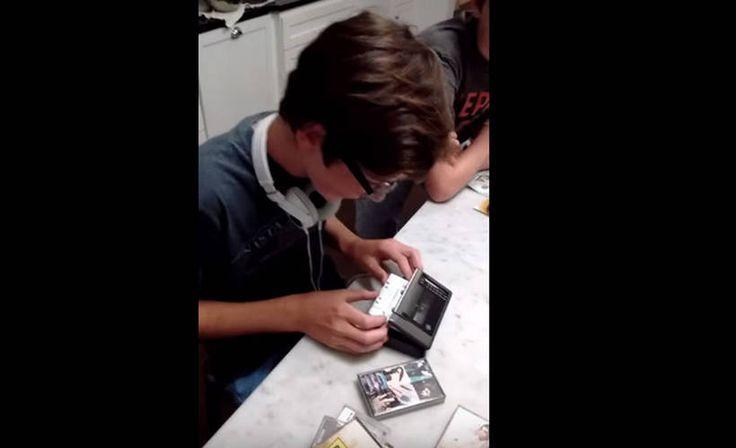 Teinit yrittivät käyttää Walkman-musiikkisoitinta! http://www.iltalehti.fi/fiidifi/201601130171821_fd.shtml