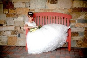 Bride on bench: Photographybrid Ideas, Benches, Bridal Photography, Bridal Photos, Wedding Ideas, Photography Brid Ideas, Personalized Photography, Bride