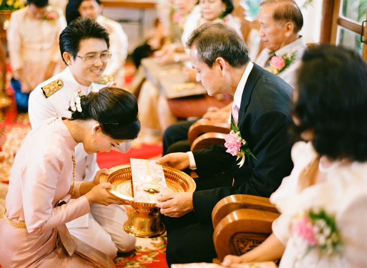 Traditional Wedding Gifts From Parents: Thai Wedding -- Thank You Gift For Parents. Photography By