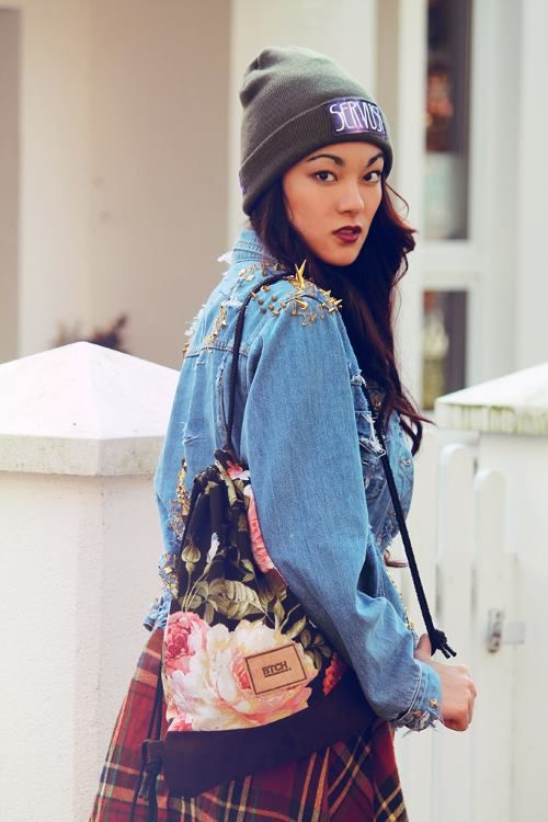 Fashion Blogger Alessandra Kamaile wearing our Flower Gym Bag.