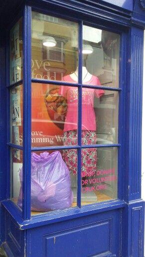 Slimming World Clothes Throw 2015 window #CRUKShops #Tenby