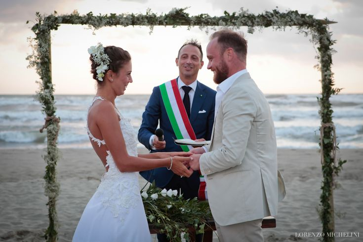 matrimonio sulla spiaggia, matrimonio Viareggio, beach wedding, cerimonia matrimonio gallery, wedding photography ceremony - fotografia reportage cerimonia di matrimonio in toscana, tuscany