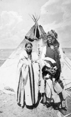 #NATIVE AMERICAN INDIANS: Poundmaker and his wife (Cree) 1885 - http://dunway.us/