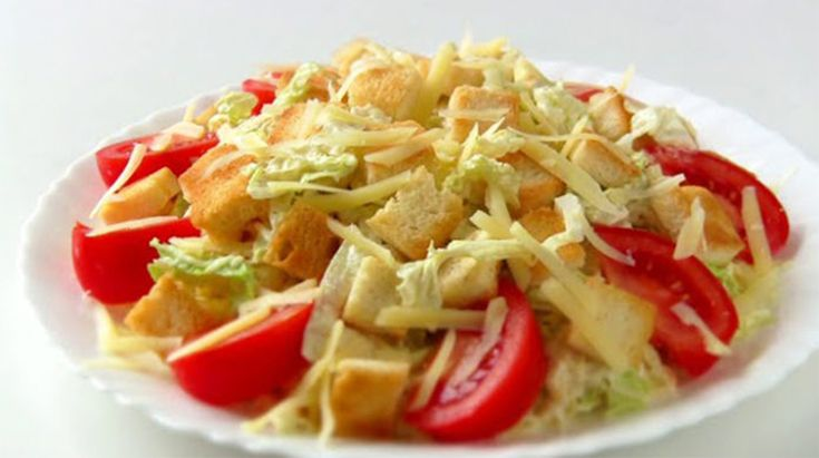 """Salată """"Caesar"""" de casă - mai gustoasă decât la restaurant! - Bucatarul"""