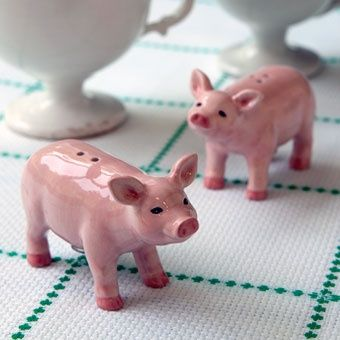 Lovely Pig Salt N Pepper Shakers   Perfect For My Future Piggy Kitchen