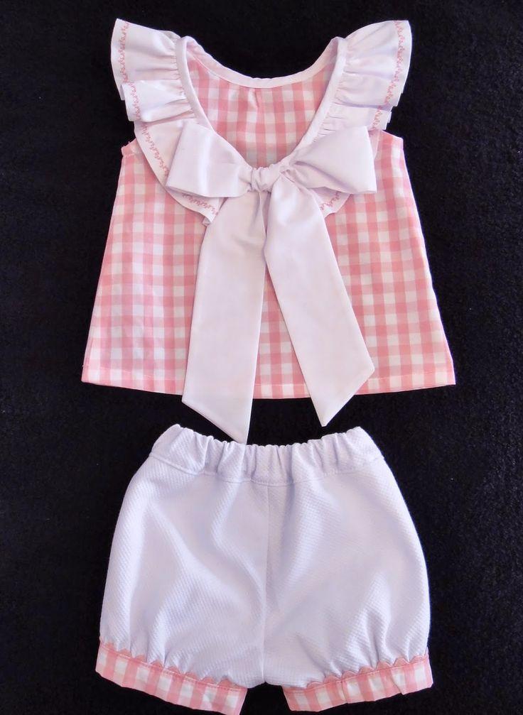 Hola mamás costureras!!    Esta semana os enseño el conjunto que he hecho. Es la blusa con lazo en el escote te Pa...