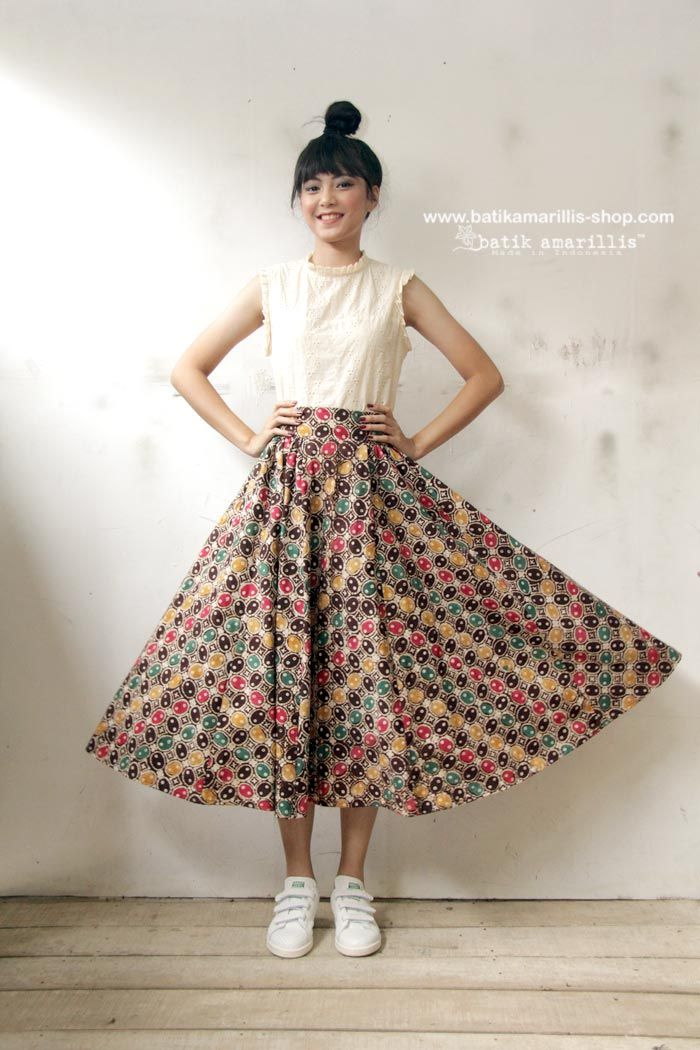 Batik Amarillis webstore www.batikamarillis-shop.com -Batik Amarillis's Anouk skirt  in classic Batik kawung  Pekalongan on Muslin  Taking inspiration from flirty  70ies -80ies ,Batik Amarillis maintains its distinct modern-bohemia signature - modest  yet unabashedly romantic-it has lovely silhouette with full  skirt for a real stunner