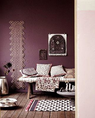 Best 25 plum living rooms ideas on pinterest purple living rooms purple accent walls and Purple accent wall in living room
