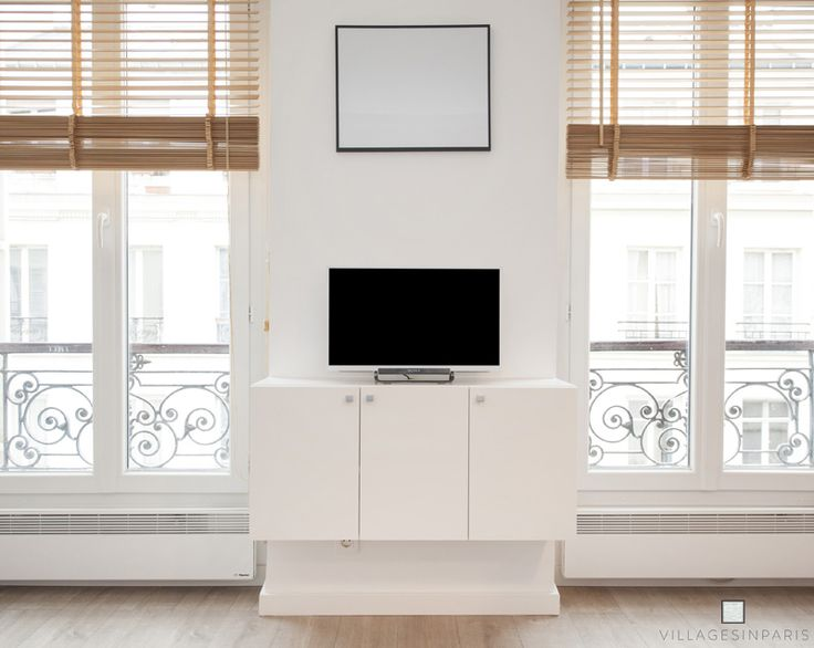 Meuble télévision design 3 portes
