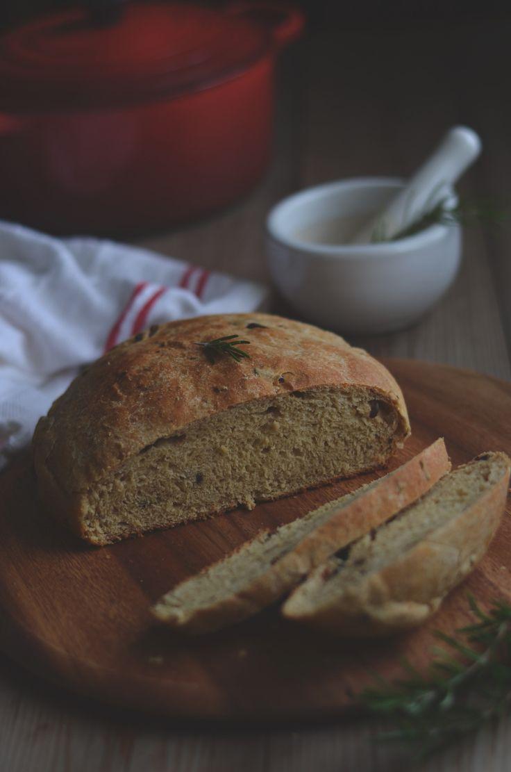 Easy Whole Wheat Buttermilk Olive Bread