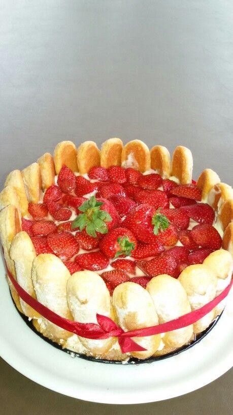 Charlotte aux fraises et yaourts