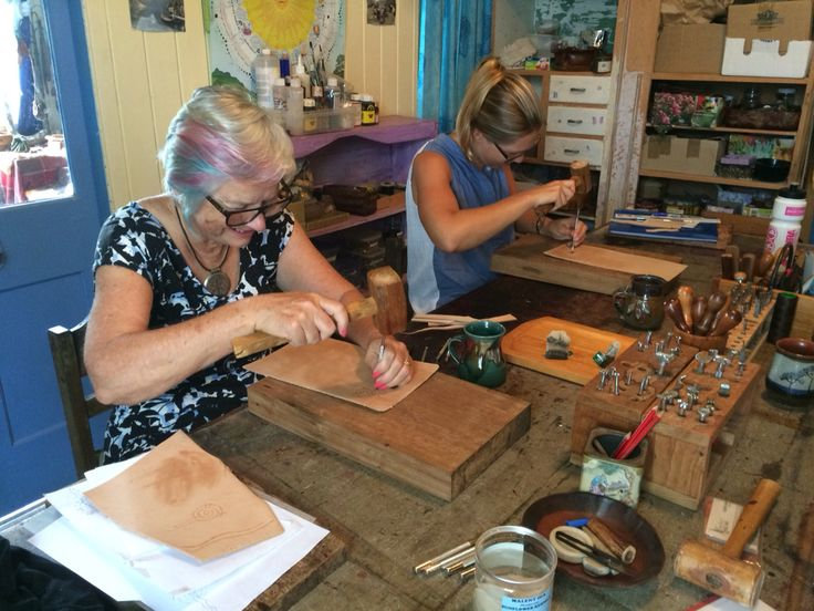 Leatherwork students - Jan 2016