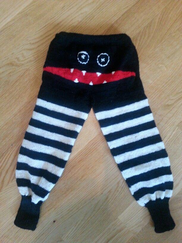 Monster pants knit