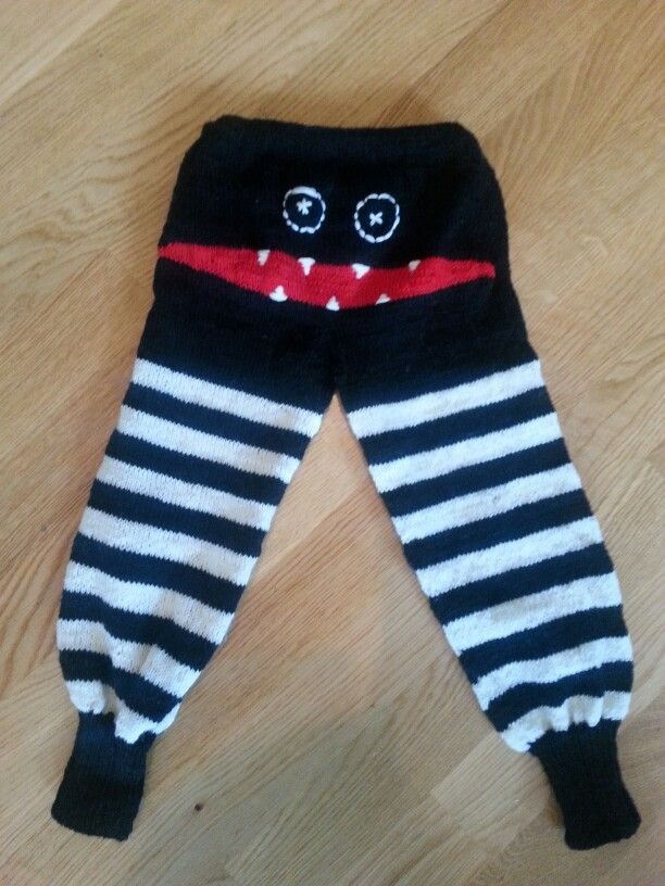 Monster pants knit