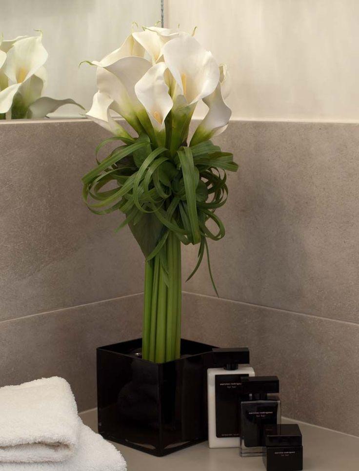 Cala Lillies in a Black Glass Cube   RTfact   Artificial Silk Flowers
