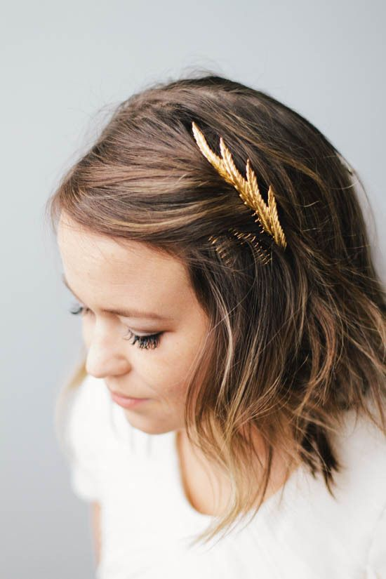 17 meilleures images propos de hair comb sur pinterest noeud chignon strass et pinces cheveux. Black Bedroom Furniture Sets. Home Design Ideas