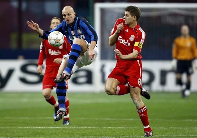 Steven Gerrard vs Esteban Cambiasso: the battle of two midfield titans - http://www.squawka.com/news/gerrard-vs-cambiasso-the-battle-of-the-midfield-giants/235748#c5iS763Ved0pIUZg.99 #LFC #LCFC #Gerrard #Cambiasso