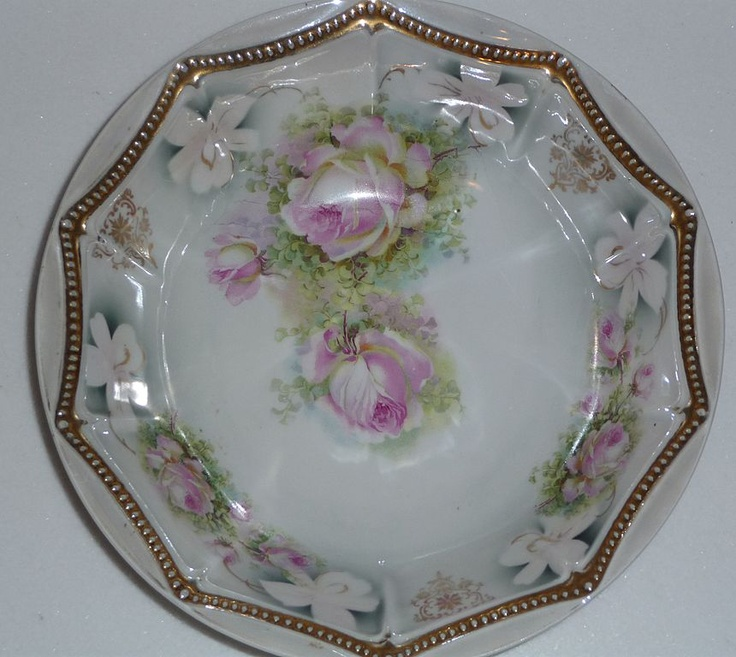 "PK Silesia Master Bowl - 10"" Roses & Gold BeadingCollectibil Bowls, Gold Beads, Bowls Pk, Antiques Bowlpk, English Rose, Bowlpk Silesia, Antiques Collectibil, Collection Bowls, Antiques Collection"