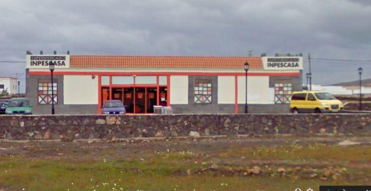 Supermercat Inpescasa  Lajares  Els productes locals son molt bons i econòmics, a la carnisseria trobaràs cabrit molt bo i molt bé de preu!