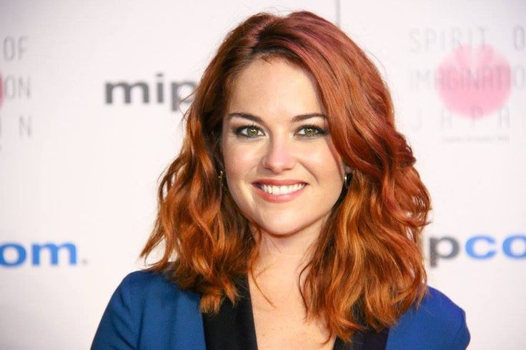 Sarah Greene - since I started watching Ransom, I totally adore her! Love her voice and personality! And she is so pretty