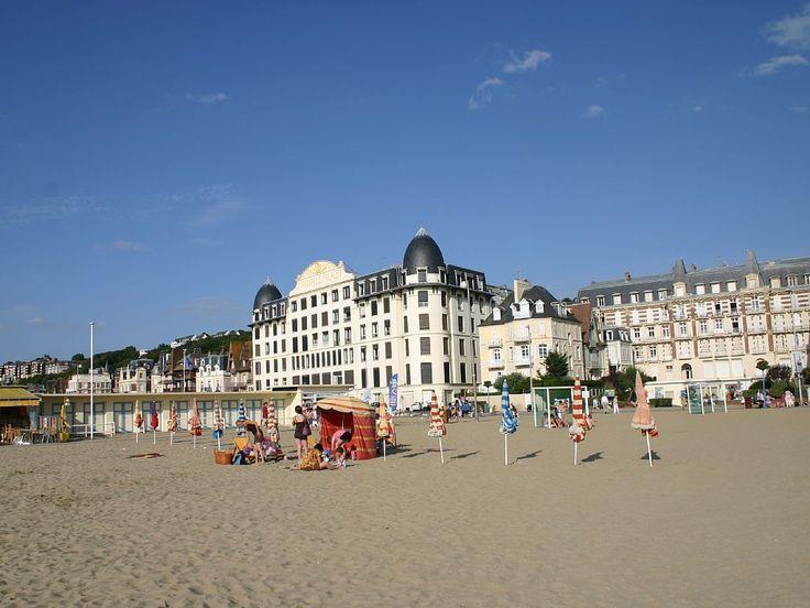 Abritel location appartement à Trouville sur Mer. Appartement de standing avec terrasse sur la plage de Trouville face Deauville