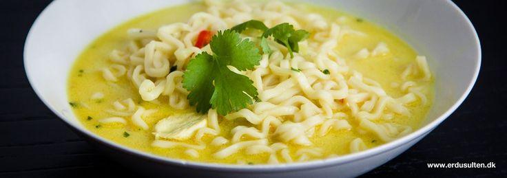 Stærk thaisuppe med frisk chili, hvidløg, ingefær og koriander. Anti-forkølelses-suppe