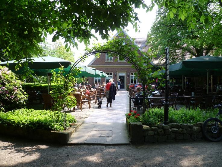 2013-06-09 Op naar het grote terras voor een lekkere kop koffie met apfelkuchen