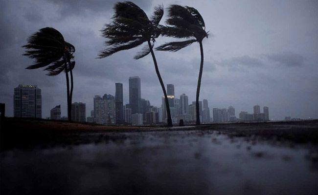 Irma's Spiral Bands Thrashing Florida Its Dangerous Brunt Targeting The Keys To Tampa