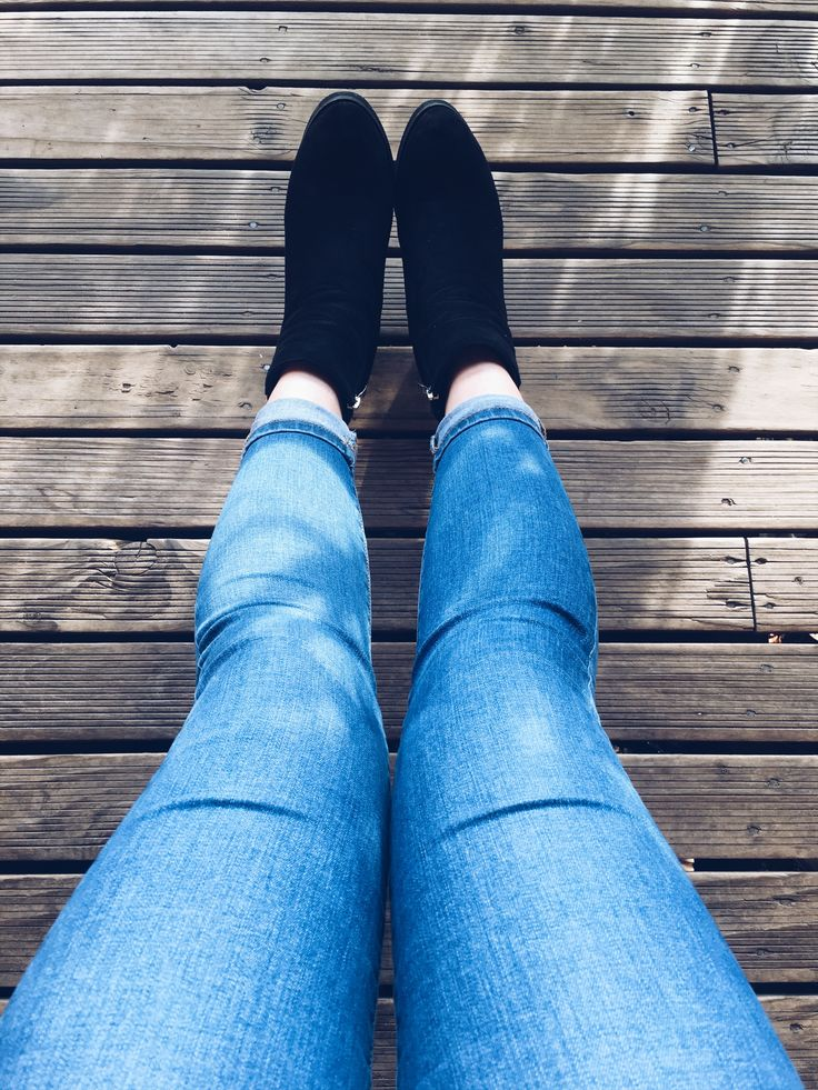 Jeans and boots. Simple and good.