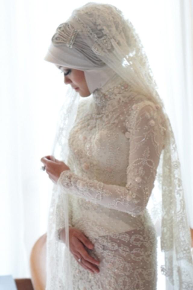 She looks like a bride.... -  Zhafira Loebis  in RESNHA Traditional Blouses or Kebaya