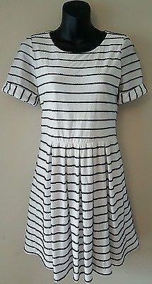 Bordeaux Anthropologie dress short sleeve white scalloped stripes size M medium