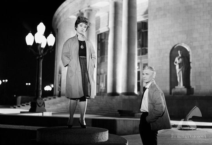 Pałac Kultury i Nauki 1960  #warszawa #warsaw #poland #WarsawByNight #PKiN #architektura #noc #latarnia #ludzie #para #kobieta #mężczyzna