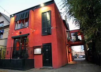Places-To-Eat : Canadian---American | Tourism London - Fellini Koolini's