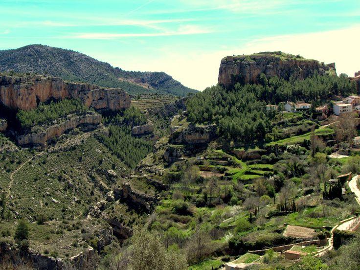 Alpuente 2015 04: Vistas de los huertos de Alpuente y de fondo el Castillo
