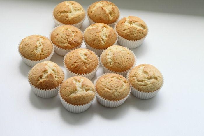 Perfect Vanilla Cupcakes   Passion 4 Baking