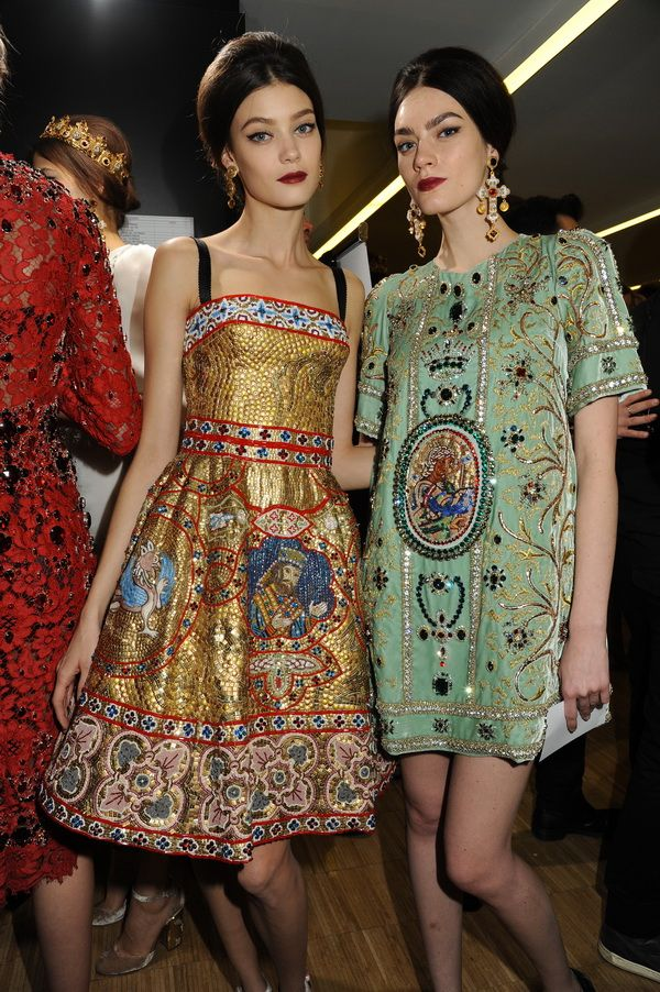Backstage-at-the-Dolce-Gabbana-2014-Fall-Winter-Womenswear-Collection-Show-Makeup-Tips_36