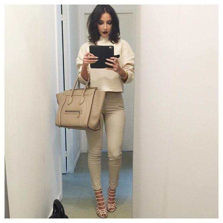 Youtuber/Blogger/Traveller Beauty, Fashion and Lifestyle Love my Sananas family contact@sananas2106.com ⬇️Last video⬇️