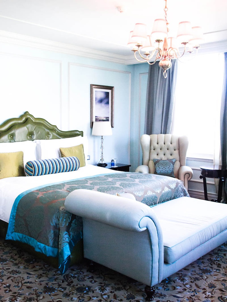Mademoiselle Robot: A Room With A Breathtaking View At The Taj Hotel