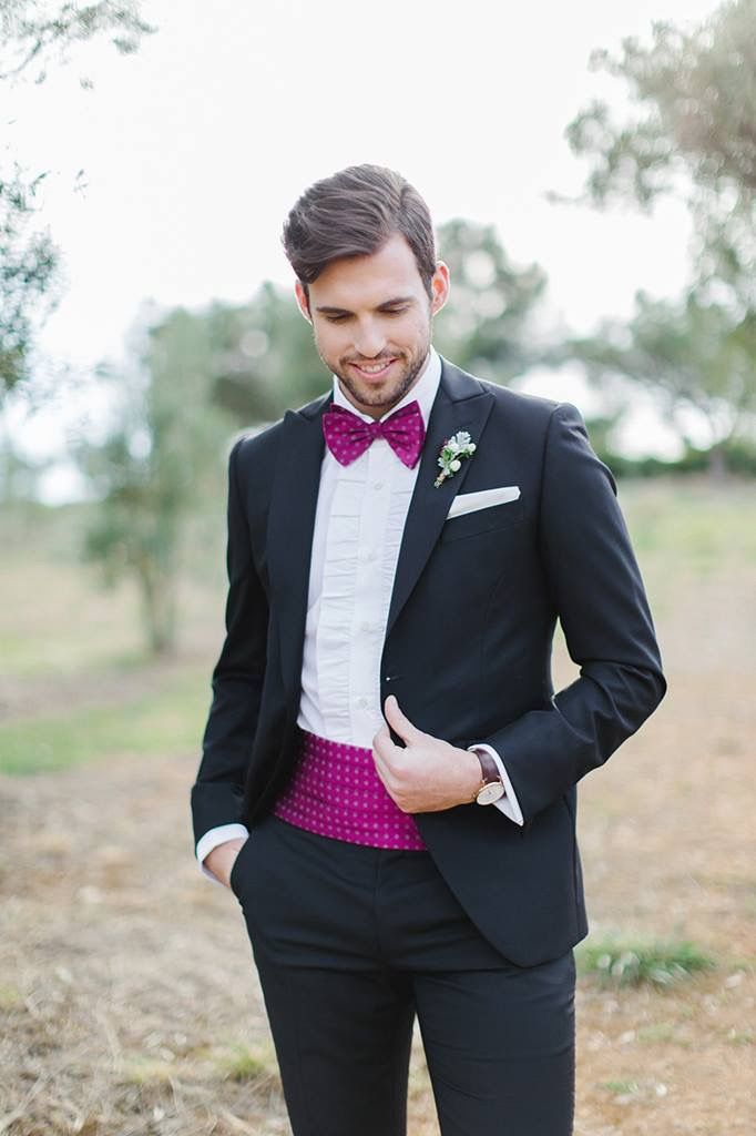 We're kicking off our Tuesday evening with one of our stylish Groom's portraits. Isn't the suit just out-of-this-world beautiful?  In ❤️ with plum details!   Impero Uomo Sartoriale Pyrgos Petreza  #weddingideas #weddinginspiration #weddinginGreece #weddinginAthens #onedayworkshop