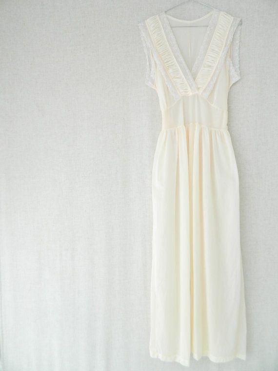 MaryANNE . vintage women's long maxi nightgown wedding dress bridesmaid dress . creme baby pink . pastel . etsyau wandarrah oz au Australia