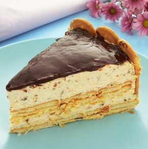 Aprenda a fazer essa torta holandesa de biscoito maisena, que além de ter uma cobertura de chocolate, é crocante e tem um sabor muito especial!
