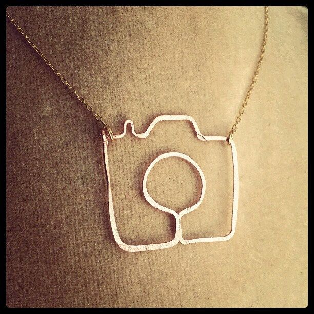 shoot me camera necklace gold filled or sterling silver.  via Etsy.: Camera Necklace Love, Style, At, Jewelry, Necklaces, Camera Necklace I, Diy, Cameras