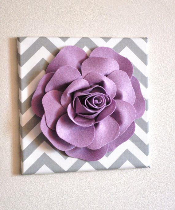 Wand Blume Dekor  lila Rose grauen und weißen Chevron von bedbuggs
