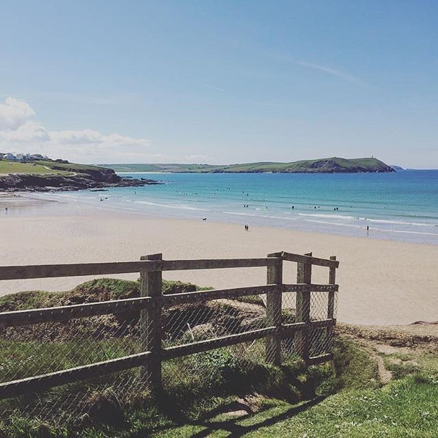 What a beautiful weekend here in Cornwall . Todays views from Polzeath by @vickycheggs - thanks for tagging #360beaches ! . . . . . . #360beaches #beach #cornwall #lovecornwall #polzeath #padstow #northcornwall #seacscape #cornishcoast #swcoastalpath #seaview #cornwalllife #beachwalk #lovecornwall #kernow #ilovecornwall #wanderlust #landscape #summer #beaches #kernow #waves #beachlover
