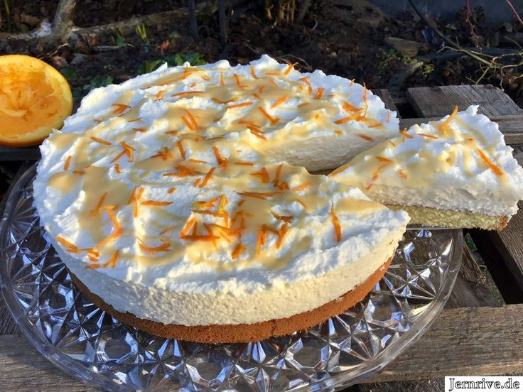 A super creamy cake with eggnog, mascarpone and the juice and the abrasion …   – Kuchen rezepte