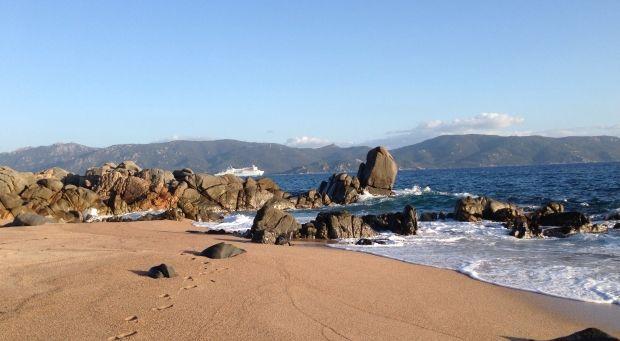Un hotel sulla spiaggia di Abbartello #CorsicaVivilaAdesso