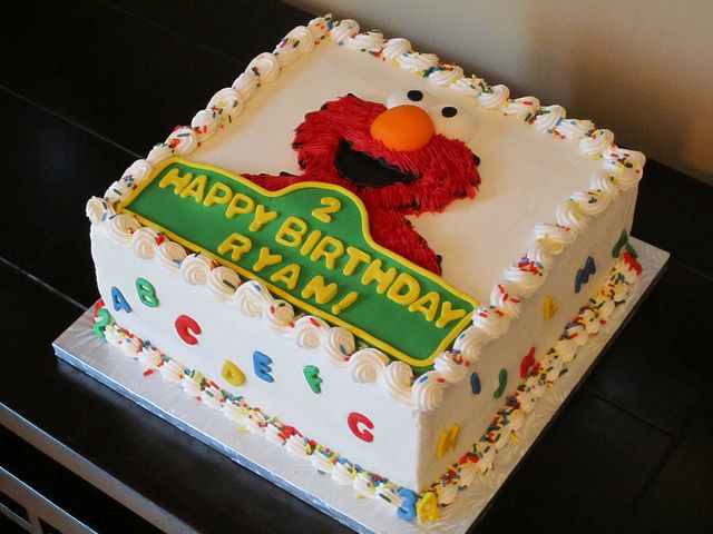 Elmo Birthday Cake by Sweet Dolly, via Flickr