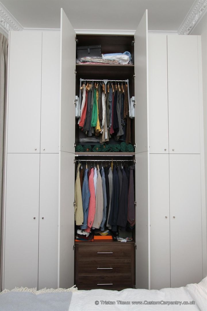 Trend Beautiful contemporary fitted wardrobe made from scratch using wood from sustainably managed forests in the UK