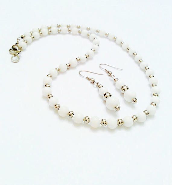 NC Jewelry Mother of Pearl Necklace and earring set