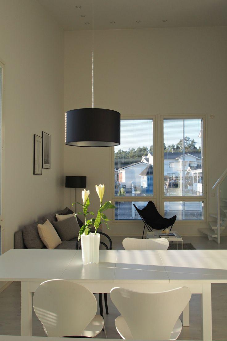 Hannas Home / interior project dining area / Design by Frandsen Nice / Fritz Hansen Seven chair / Ikea dining table